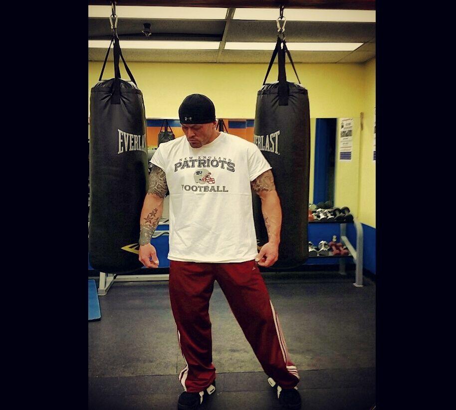 Tattooed Romance & Physique Model John Quinlan Everlast Gym