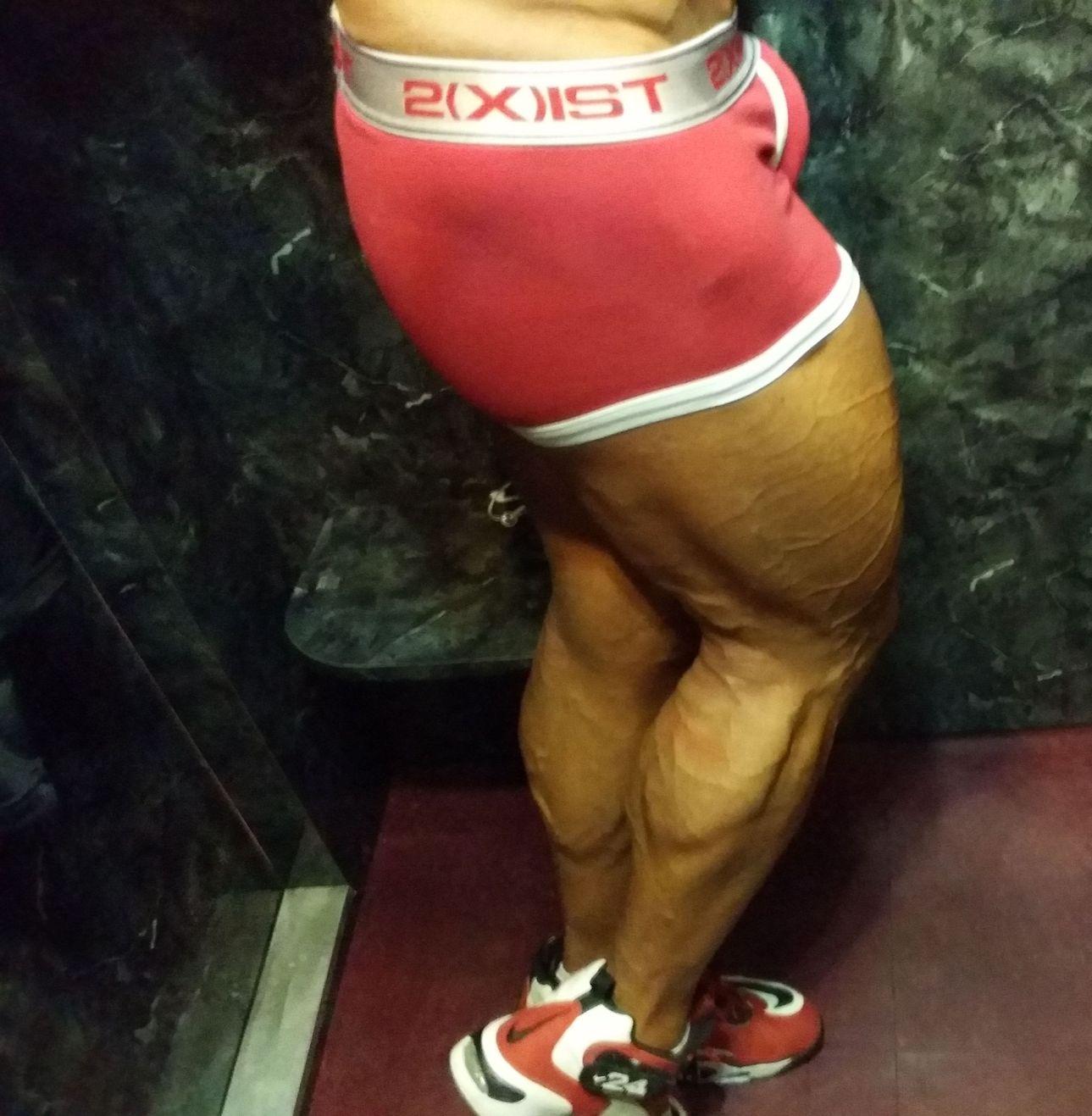 Physique Model John Joseph Quinlan Thighs & Calves 2014