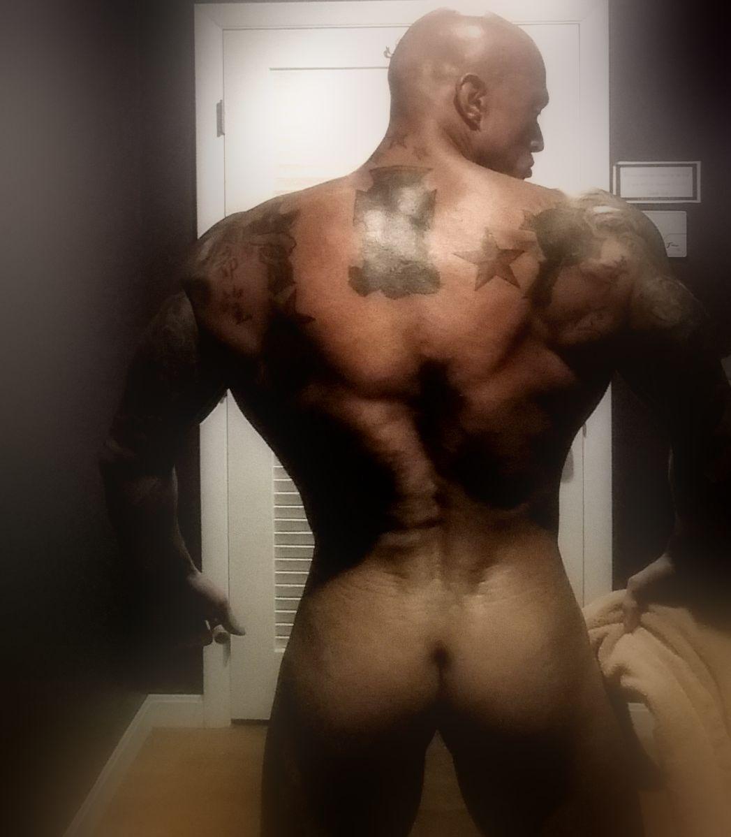 Tattooed Erotic Romance & Physique Model John Joseph Quinlan 14' #JohnQuinlan