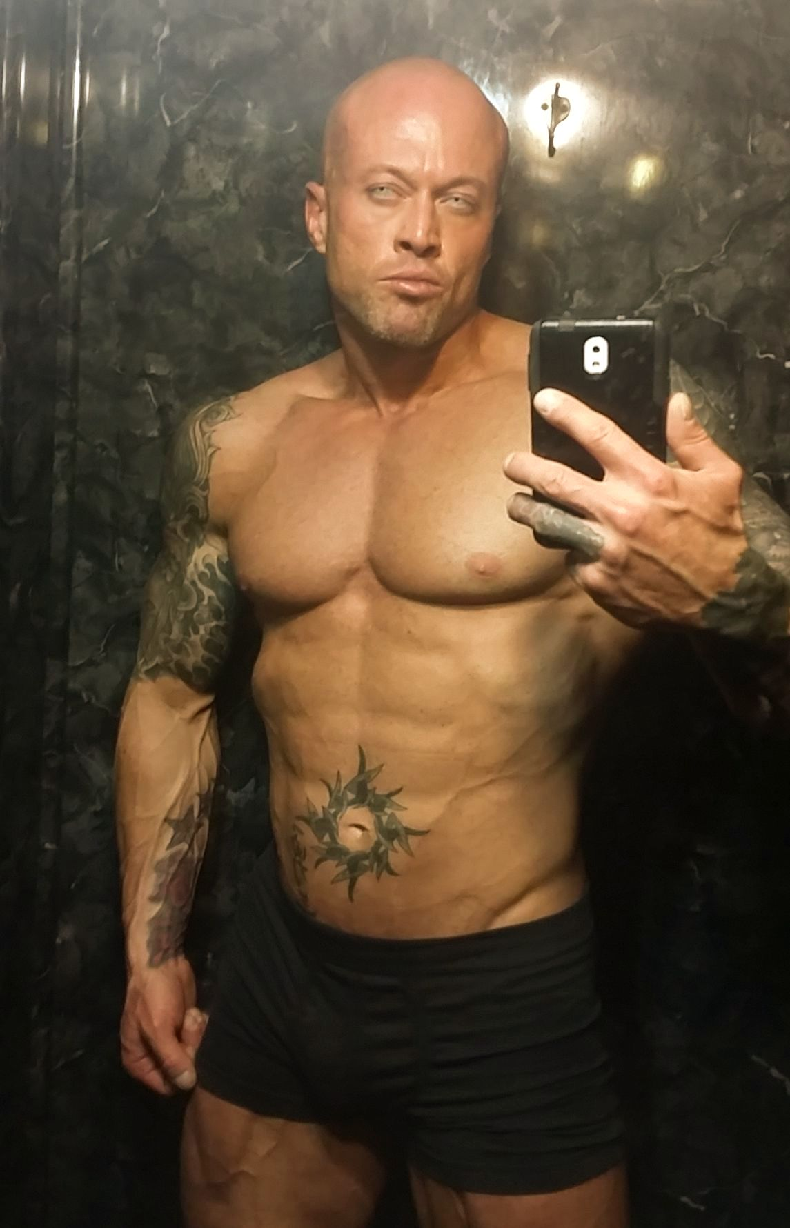 Tattooed Romance Cover Model John Joseph Quinlan 2015 Arnold Amateur Men's Physique Class D Competitor @ 1 Week Out. #JohnQuinlan