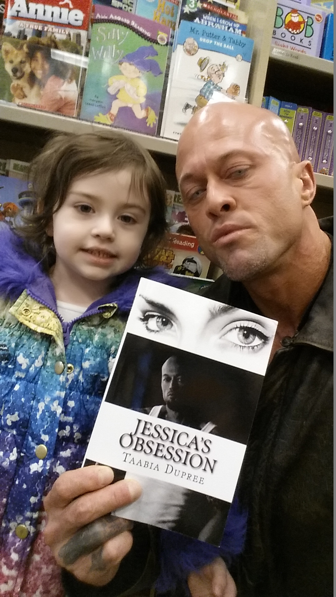 Celebrity Tattoo Romance Model John Joseph Quinlan in Barnes & Noble with Daughter Mia Grace 2-2015. #JohnQuinlan