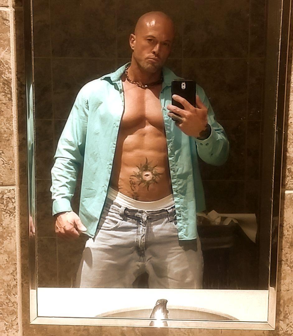 Male Model John Joseph Quinlan via May 2015 #JohnQuinlan