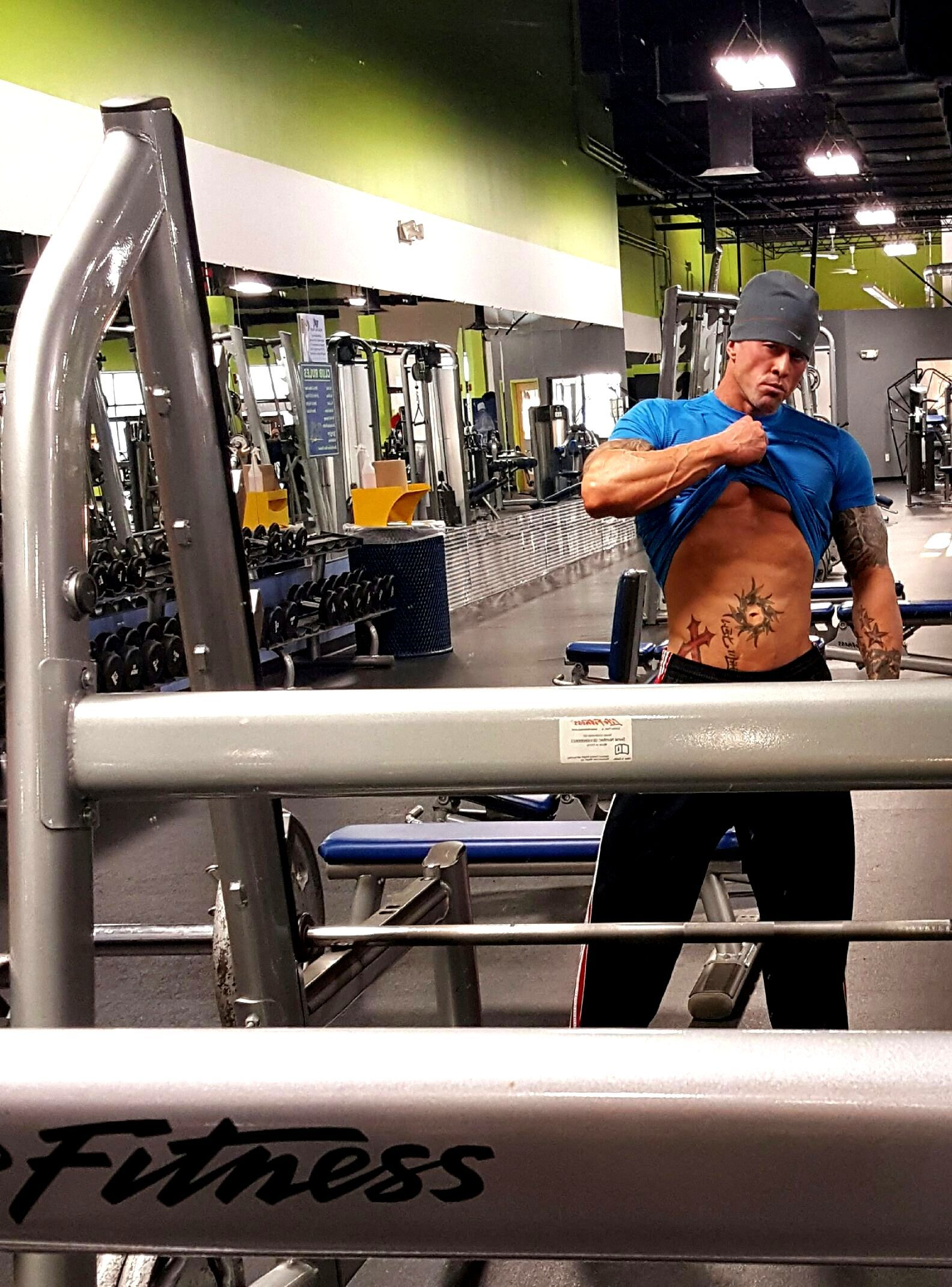 Physique Fitness Cover Model & Actor John Joseph Quinlan Gym Training Abs #JohnQuinlan