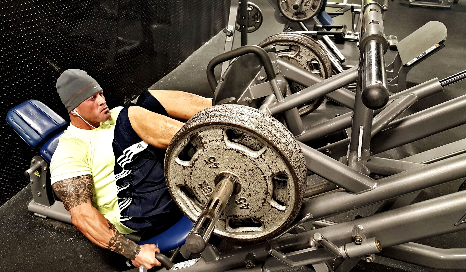 Physique Fitness Cover Model & Actor John Joseph Quinlan Gym Training Leg Press #JohnQuinlan
