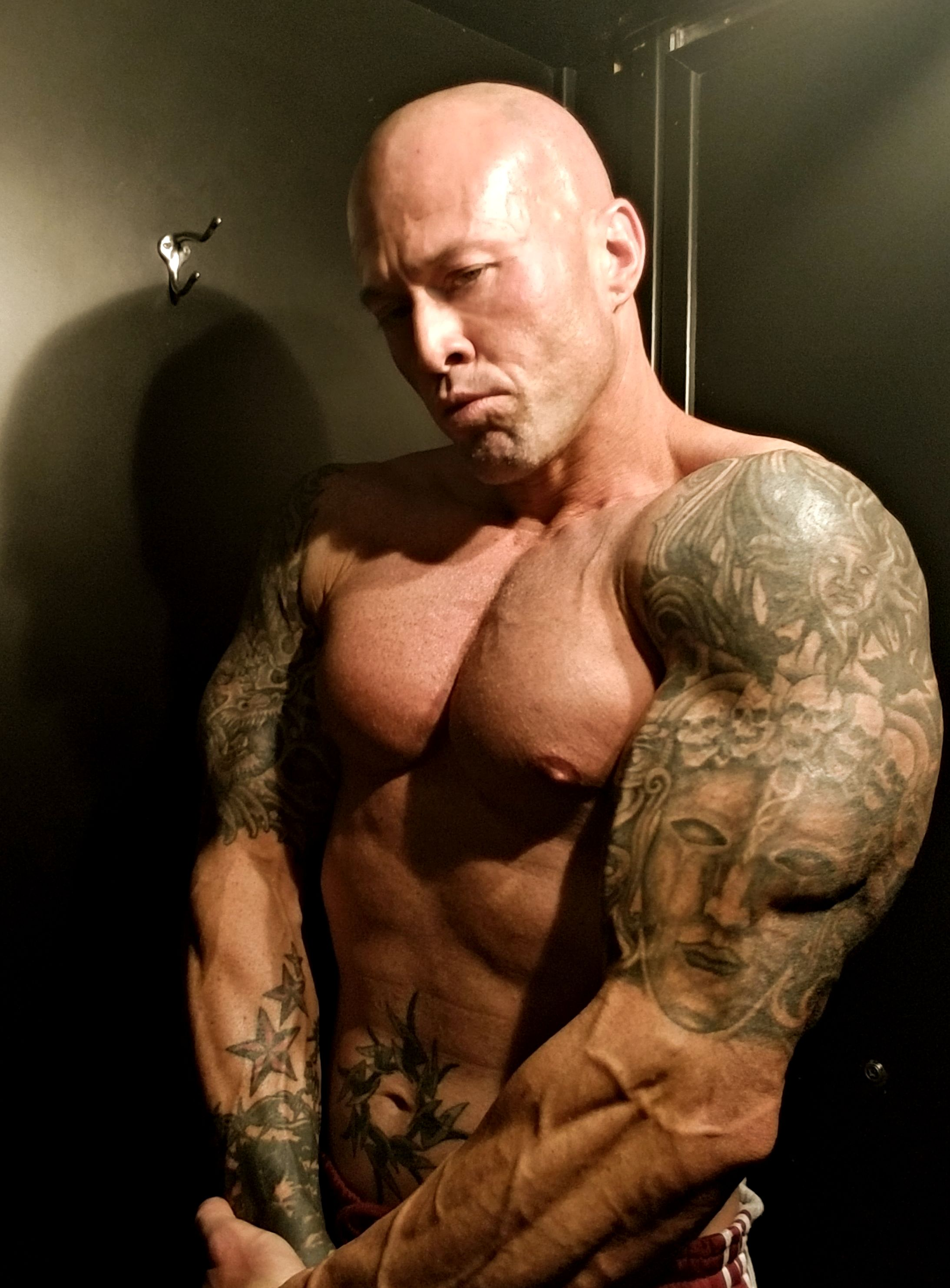Model & Actor John Quinlan Physique Post Workout 1-20-2018 #JohnQuinlan
